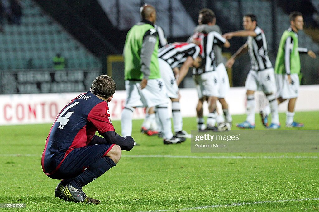 Felipe Seymour (#14) of Genoa CFC shows his dejection during the Serie A match between AC Siena and Genoa CFC at Stadio Artemio Franchi on November 4, 2012 in Siena, Italy.