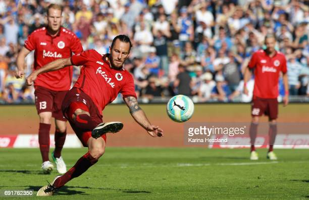 Felix Backszat of Koeln during the Third League Playoff Leg Two between FC Carl Zeiss Jena and Viktoria Koeln on June 01 2017 at ErnstAbbeSportfeld...