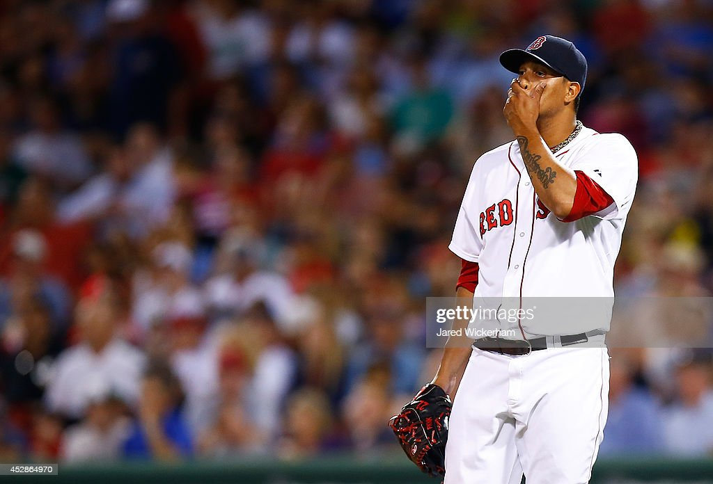 Felix Doubront #22 of the Boston Red Sox reacts after giving up multiple runs in the sixth inning before being pulled against the Toronto Blue Jays during the game at Fenway Park on July 28, 2014 in Boston, Massachusetts.