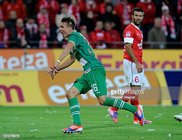 Felix Klaus of Fuerth celebrates after scoring his teams first goal during the Bundesliga match between FSV Mainz 05 and SpVgg Greuther Fuerth at...