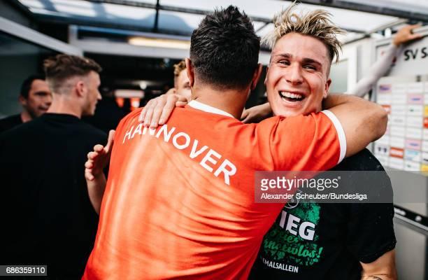 Felix Klaus of Hannover 96 celebrates with his teammates after the Second Bundesliga match between SV Sandhausen and Hannover 96 at Hardtwaldstadion...