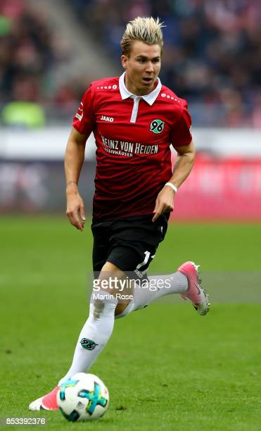 Felix Klaus of Hannover runs with the ball during the Bundesliga match between Hannover 96 and 1 FC Koeln at HDIArena on September 24 2017 in Hanover...