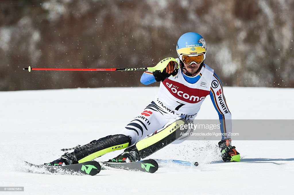 Felix Neureuther of Germany competes during the Audi FIS Alpine Ski World Cup Men's Slalom on February 14, 2016 in Naeba, Japan.