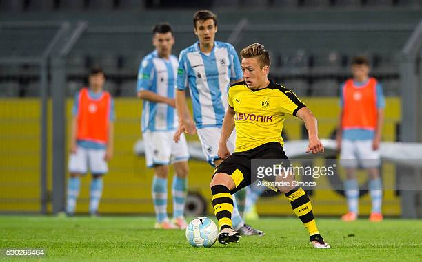 Felix Passlack of Borussia Dortmund during the German U19 Championship Semi Final First Leg match between Borussia Dortmund and 1860 Muenchen at...