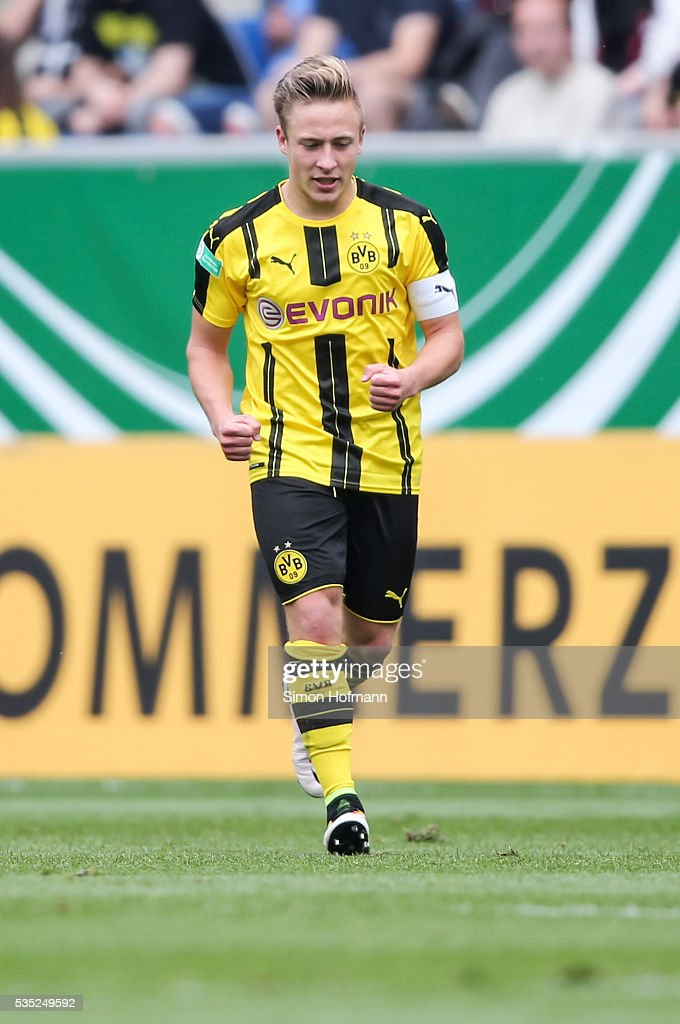<a gi-track='captionPersonalityLinkClicked' href=/galleries/search?phrase=Felix+Passlack&family=editorial&specificpeople=12337670 ng-click='$event.stopPropagation()'>Felix Passlack</a> of Dortmund celebrates his team's second goal during the A Juniors German Championship Final match between 1899 Hoffenheim U19 and Borussia Dortmund U19 at Wirsol Rhein-Neckar-Arena on May 29, 2016 in Sinsheim, Germany.