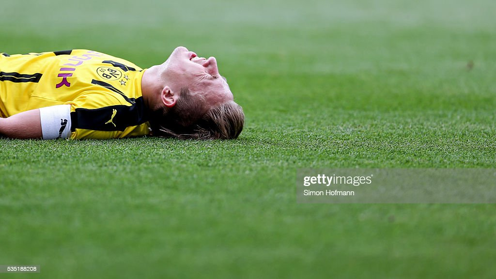 <a gi-track='captionPersonalityLinkClicked' href=/galleries/search?phrase=Felix+Passlack&family=editorial&specificpeople=12337670 ng-click='$event.stopPropagation()'>Felix Passlack</a> of Dortmund reacts during the A Juniors German Championship Final match between 1899 Hoffenheim U19 and Borussia Dortmund U19 at Wirsol Rhein-Neckar-Arena on May 29, 2016 in Sinsheim, Germany.