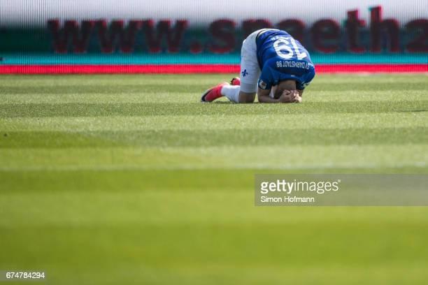 Felix Platte of Darmstadt reacts during the Bundesliga match between SV Darmstadt 98 and SC Freiburg at Stadion am Boellenfalltor on April 29 2017 in...