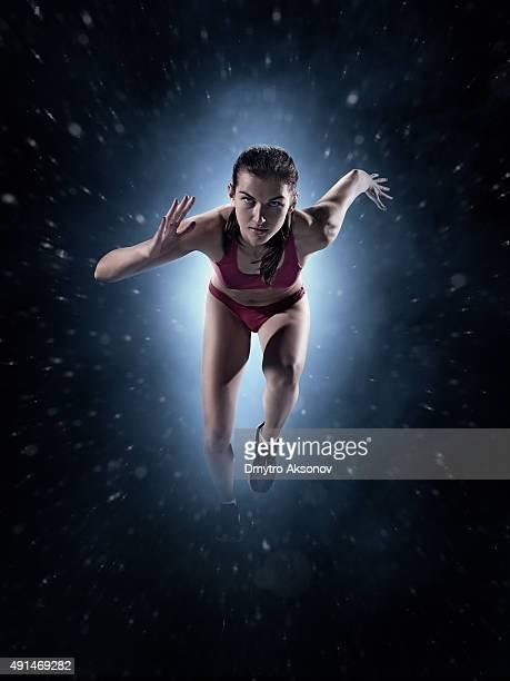 Mujer atleta esprint