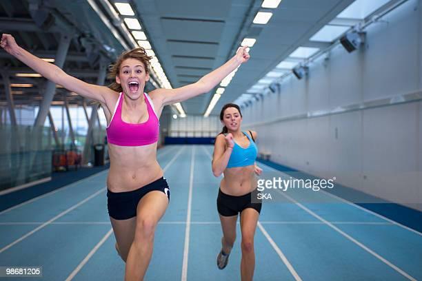 2 female athletes racing