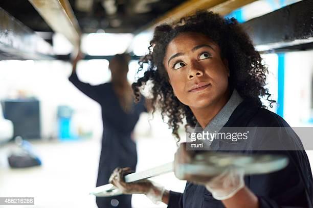 Weibliche Automechaniker