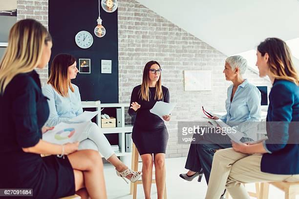 Féminin équipe commerciale de réunion