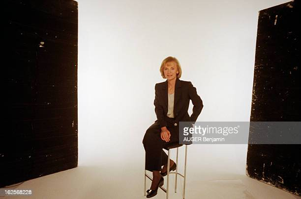 Female Candidate Of The Socialist Party At The Election Of 1997 In The Studio Avril 1997 en studio les femmes politiques du Parti Socialiste...