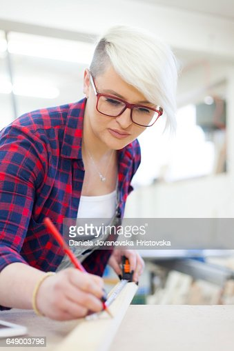 female carpenter : Stockfoto