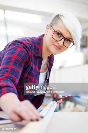 female carpenter : Stock-Foto