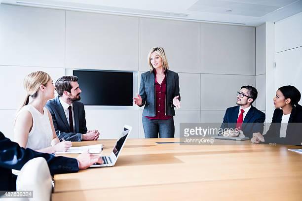 Weibliche chief executive bei Kunden
