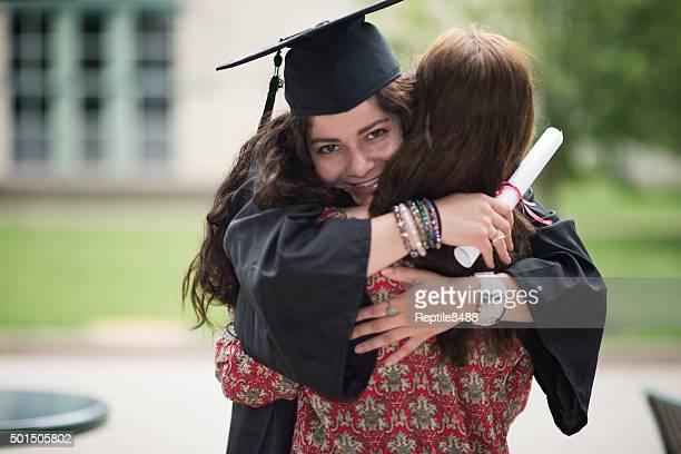 Femme diplôme universitaire