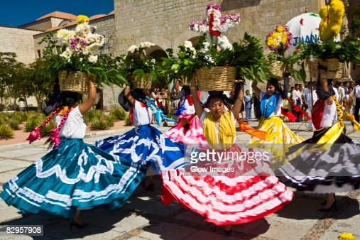 oaxaca single hispanic girls Oaxaca mexican clothing is becoming more and more popular embroidery designs are smaller and people appreciate its beauty very much.