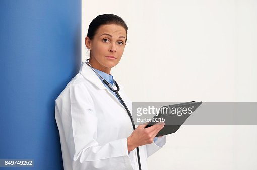female doctor in medical center : Bildbanksbilder