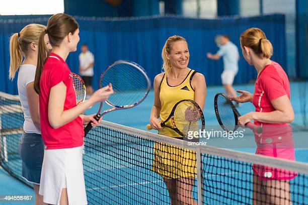 Femme joueurs de Tennis intérieur
