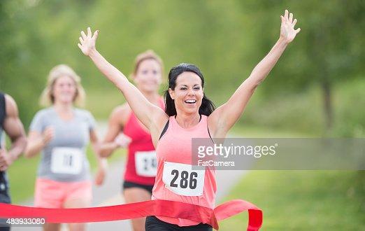 女子マラソンランナーに輝くレース