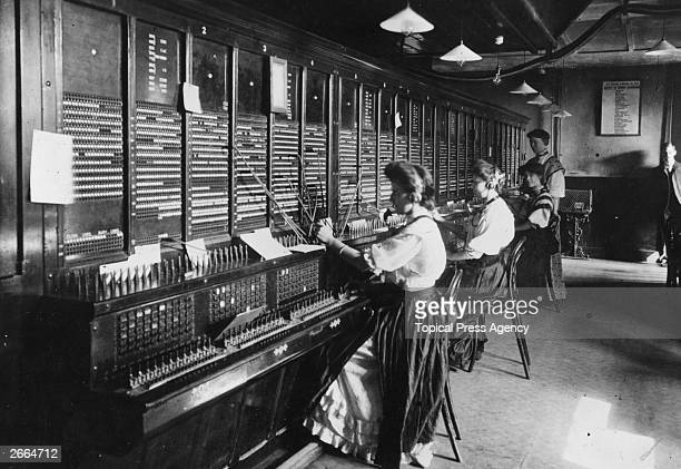 Female operators at the switchboard of the Magneto Exchange of the National Telephone Company USA
