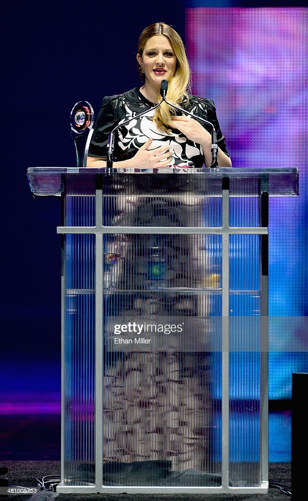 Female Star of the Year award winner <a gi-track='captionPersonalityLinkClicked' href=/galleries/search?phrase=Drew+Barrymore&family=editorial&specificpeople=201623 ng-click='$event.stopPropagation()'>Drew Barrymore</a> speaks onstage at The CinemaCon Big Screen Achievement Awards brought to you by The Coca-Cola Company during CinemaCon, the official convention of the National Association of Theatre Owners, at The Colosseum at Caesars Palace on March 27, 2014 in Las Vegas, Nevada.