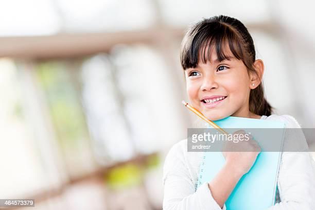 Estudiante mujer con una gran imaginación