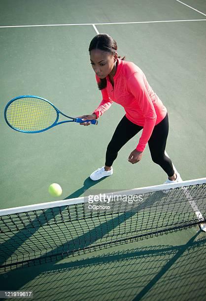 女性テニスプレーヤー