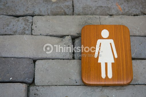 damentoilette der beschilderung holz an der wand stock foto thinkstock. Black Bedroom Furniture Sets. Home Design Ideas