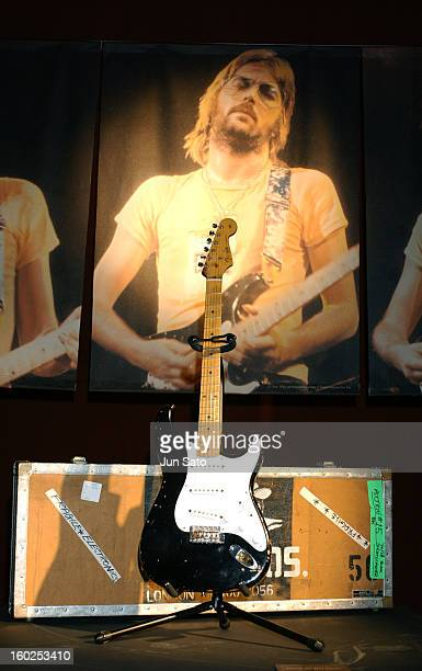 Fender Stratcaster 'Blackie' Circa Crossroads Guitar Collection Eric Clapton and friends for the Crossroads Center