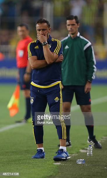 Fenerbahce's coach Vítor Pereira reacts during UEFA Champions League Third Qualifying Round 1st Leg match betweeen Fenerbahce v Shakhtar Donetsk at...