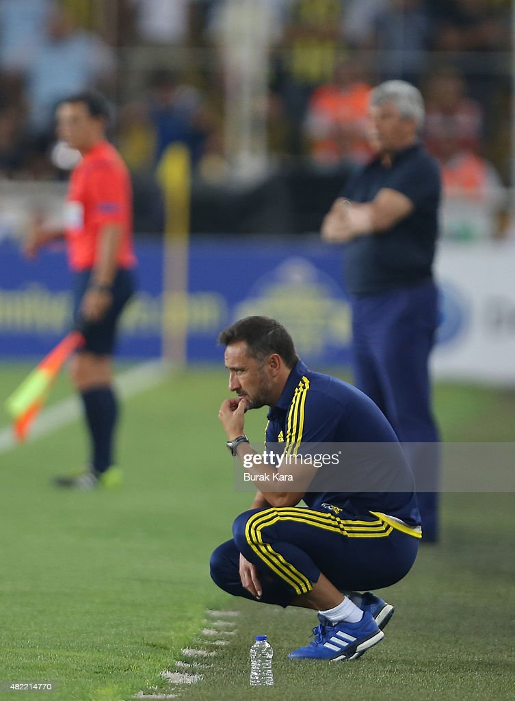 Fenerbahce's coach Vítor Pereira watches the match during UEFA Champions League Third Qualifying Round 1st Leg match betweeen Fenerbahce v Shakhtar Donetsk at Sukru Saracoglu Stadium on July 28, 2015 in Istanbul, Turkey.