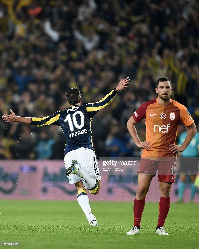 s et images de Fenerbahce v Galatasaray Turkish Spor Toto
