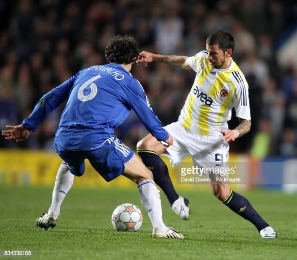 Fenerbahce's Mateja Kezman and Chelsea's Ricardo Carvalho battle for the ball