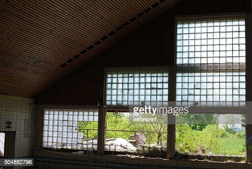 Fenster Aus Glasbausteinen fensterglasbausteine stock foto thinkstock