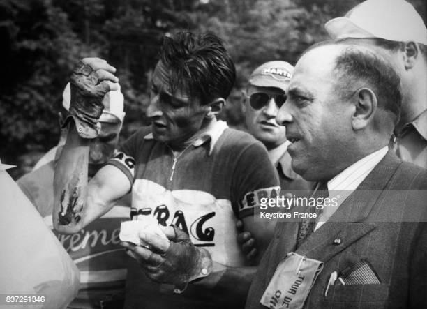 Ferdi Kübler vainqueur de la 4ème étape VallorbeGenève du Tour de Romandie à Genève Suisse en 1950