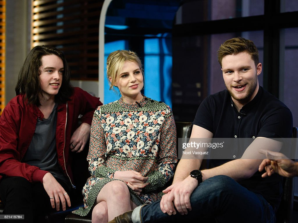 """The Cast Of """"Sing Street"""" On """"Extra"""""""