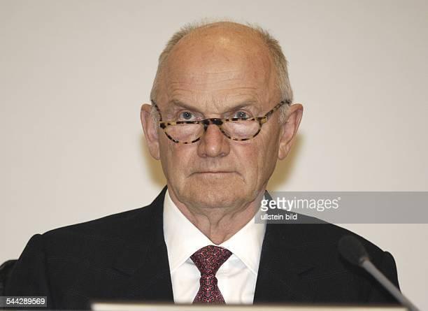 Ferdinand Piech Aufsichtsratsvorsitzender Volkswagen AG Oesterreich Ausserordentliche Hauptversammlung der Porsche AG