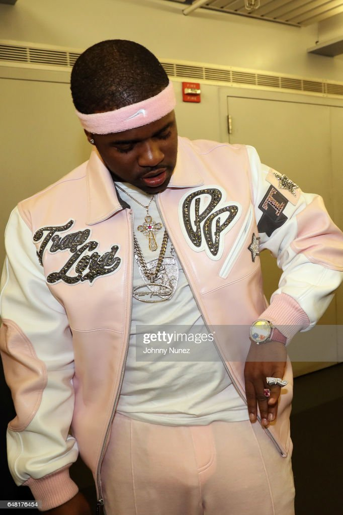 ferg-backstage-at-the-apollo-theater-on-march-4-2017-in-new-york-city-picture-id648176454
