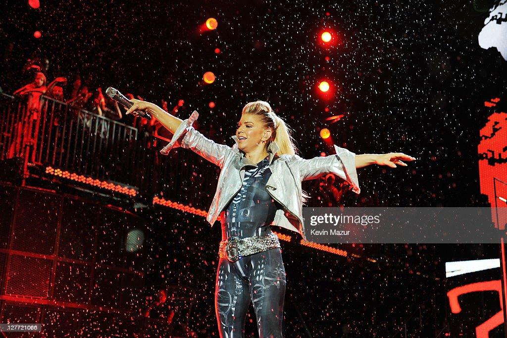 Fergie of The Black Eyed Peas performs onstage at CHASE Presents The Black Eyed Peas and Friends 'Concert 4 NYC' benefiting the Robin Hood Foundation at Central Park, Great Lawn on September 30, 2011 in New York City.