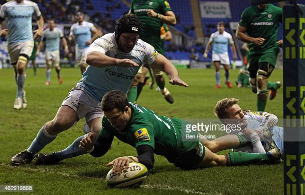 Fergus Mulchrone of London Irish scores a try during the LV= Cup match between London Irish v Newcastle Falcons at Madejski Stadium on February 7...