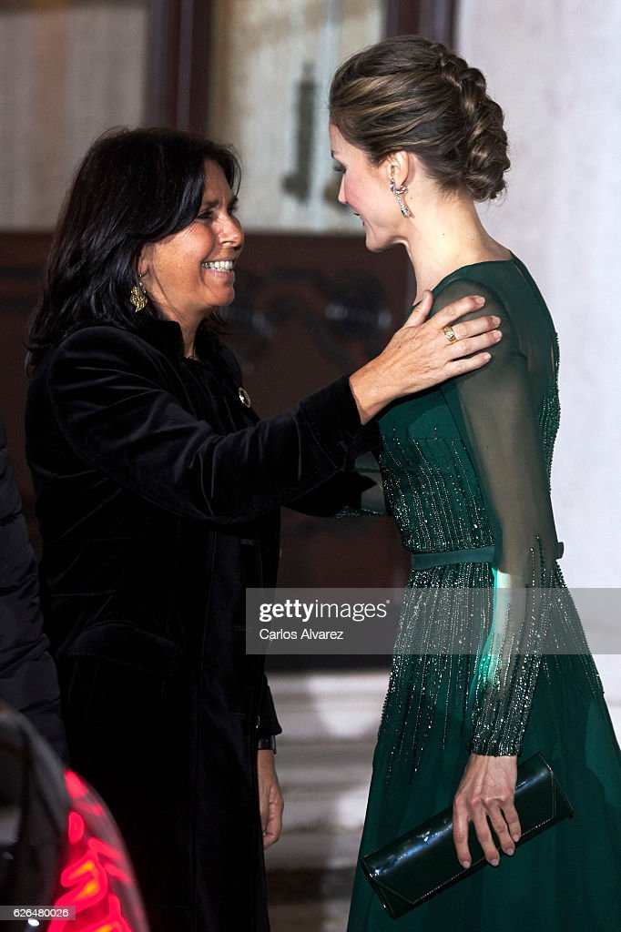 Fernanda Maria Goncalves Tadeu (L) receives Queen Letizia of Spain (R) for a Gala dinner at Palacio de las Necesidades during her official visit to Portugal on November 29, in Lisbon, Portugal