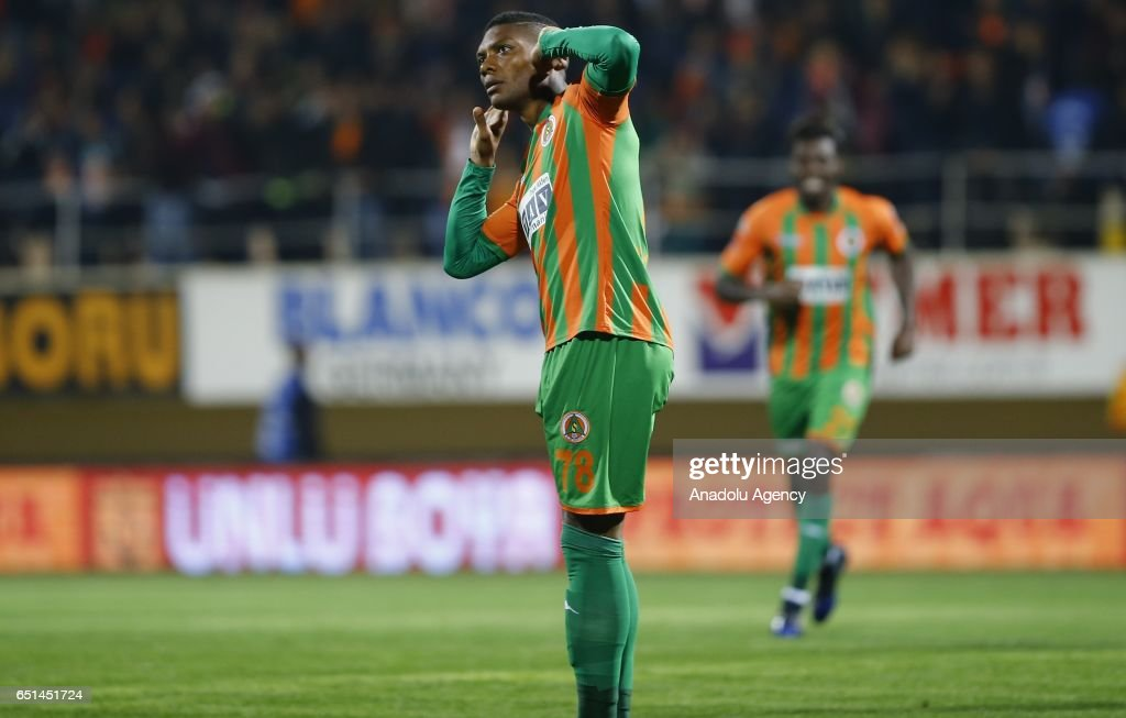 Kits by Auvergne81 - Page 2 Fernandes-of-aytemiz-alanyaspor-celebrates-after-scoring-a-goal-the-picture-id651451724