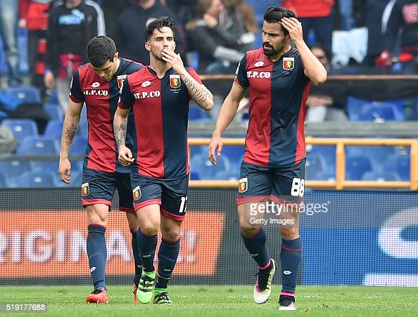 Fernandez Suso of Genoa celebrates after scoring the opening goal during the Serie A match between Genoa CFC and Frosinone Calcio at Stadio Luigi...