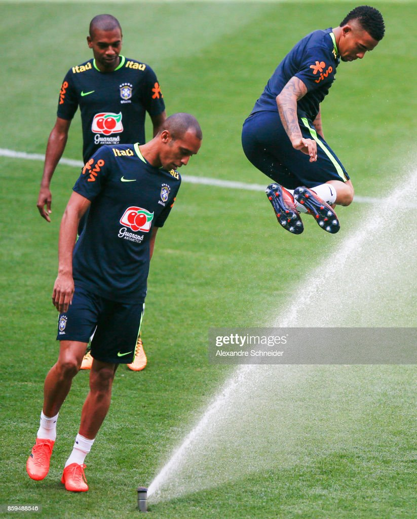Fernandinho, Miranda and Gabriel Jesus of Brazil in action during the Brazil training session for 2018 FIFA World Cup Russia Qualifier match against Chile at Allianz Parque Stadium on October 09, 2017 in Sao Paulo, Brazil.