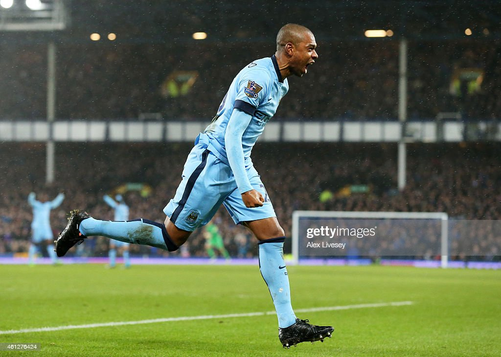 <a gi-track='captionPersonalityLinkClicked' href=/galleries/search?phrase=Fernandinho+-+Soccer+Player+-+Manchester+City&family=editorial&specificpeople=10093285 ng-click='$event.stopPropagation()'>Fernandinho</a> of Manchester City celebrates after scoring the opening goal during the Barclays Premier League match between Everton and Manchester City at Goodison Park on January 10, 2015 in Liverpool, England.