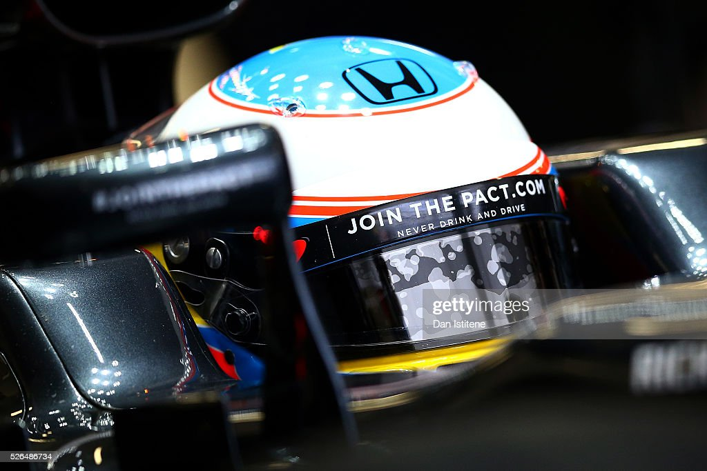 <a gi-track='captionPersonalityLinkClicked' href=/galleries/search?phrase=Fernando+Alonso+-+Racerf%C3%B6rare&family=editorial&specificpeople=12323351 ng-click='$event.stopPropagation()'>Fernando Alonso</a> of Spain and McLaren Honda in the garage during final practice ahead of the Formula One Grand Prix of Russia at Sochi Autodrom on April 30, 2016 in Sochi, Russia.