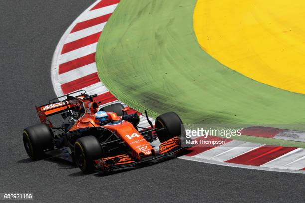 Fernando Alonso of Spain driving the McLaren Honda Formula 1 Team McLaren MCL32 on track during the Spanish Formula One Grand Prix at Circuit de...