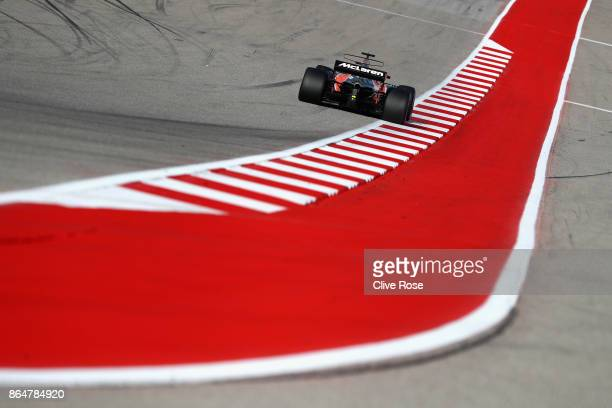 Fernando Alonso of Spain driving the McLaren Honda Formula 1 Team McLaren MCL32 on track during qualifying for the United States Formula One Grand...