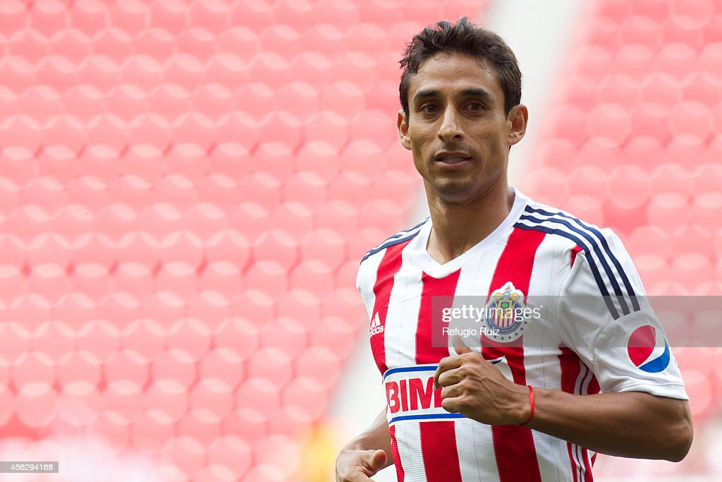 <a gi-track='captionPersonalityLinkClicked' href=/galleries/search?phrase=Fernando+Arce&family=editorial&specificpeople=697001 ng-click='$event.stopPropagation()'>Fernando Arce</a> of Chivas looks on during a match between Chivas and Puebla as part of 10th round Apertura 2014 Liga MX at Omnilife Stadium on September 28, 2014 in Guadalajara, Mexico.